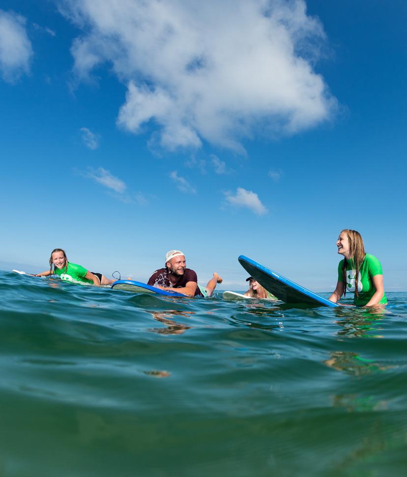 Surfen met school bij Surfblend Surfschool
